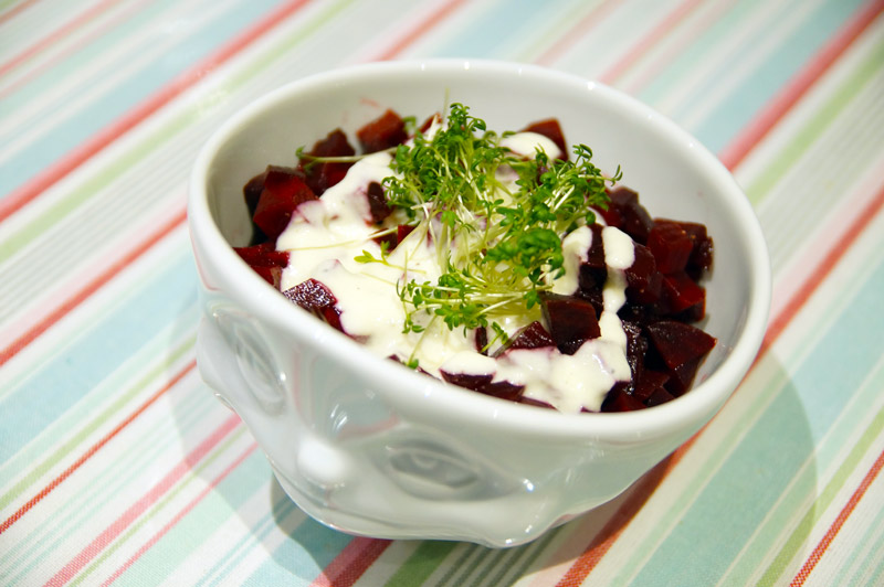 rote-beete-meerettich-joghurt