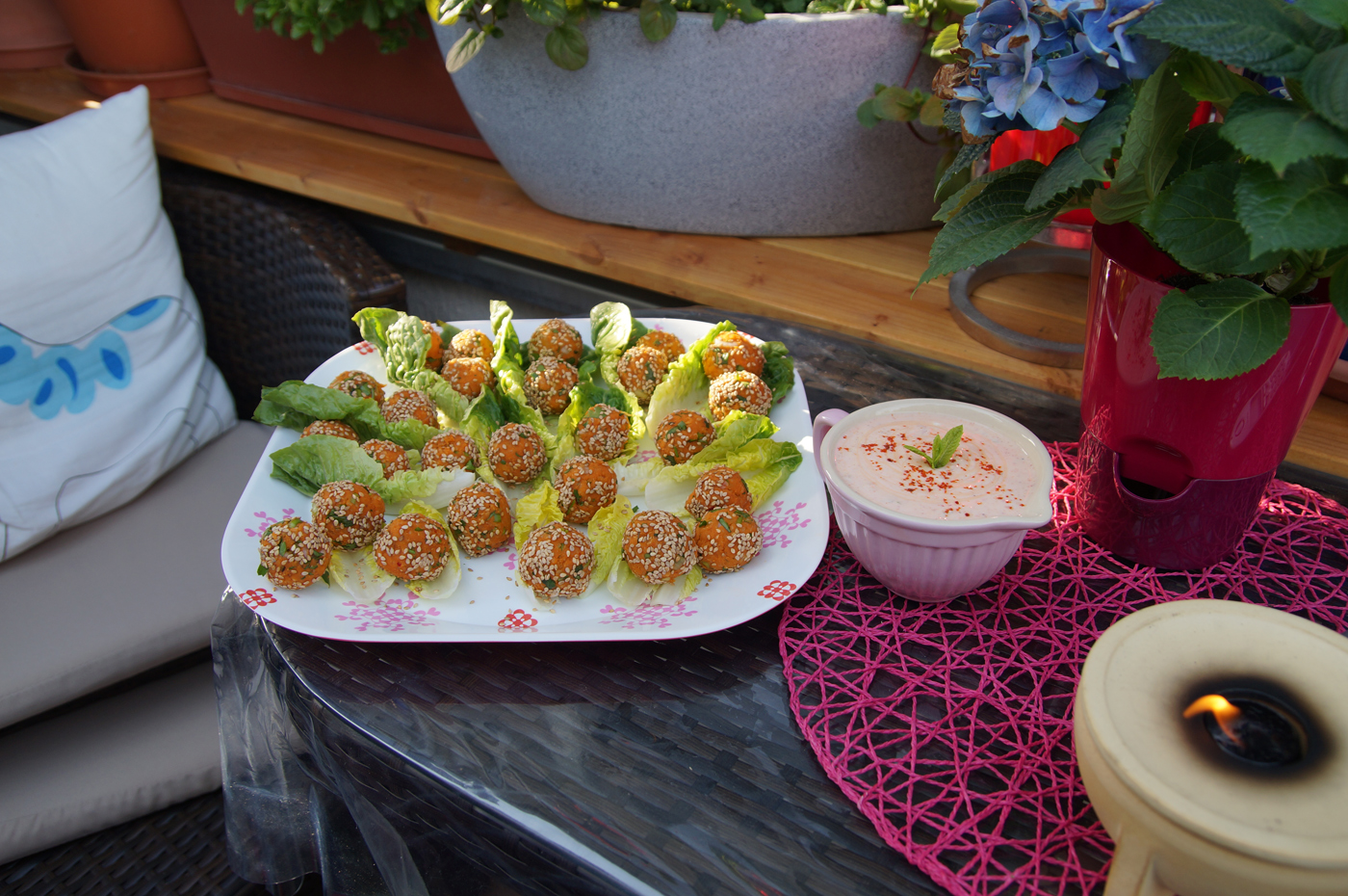 linsenbaellchen-mit-joguhrtsoße